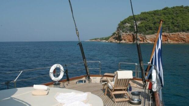 gitana-super-yacht-bow (1)