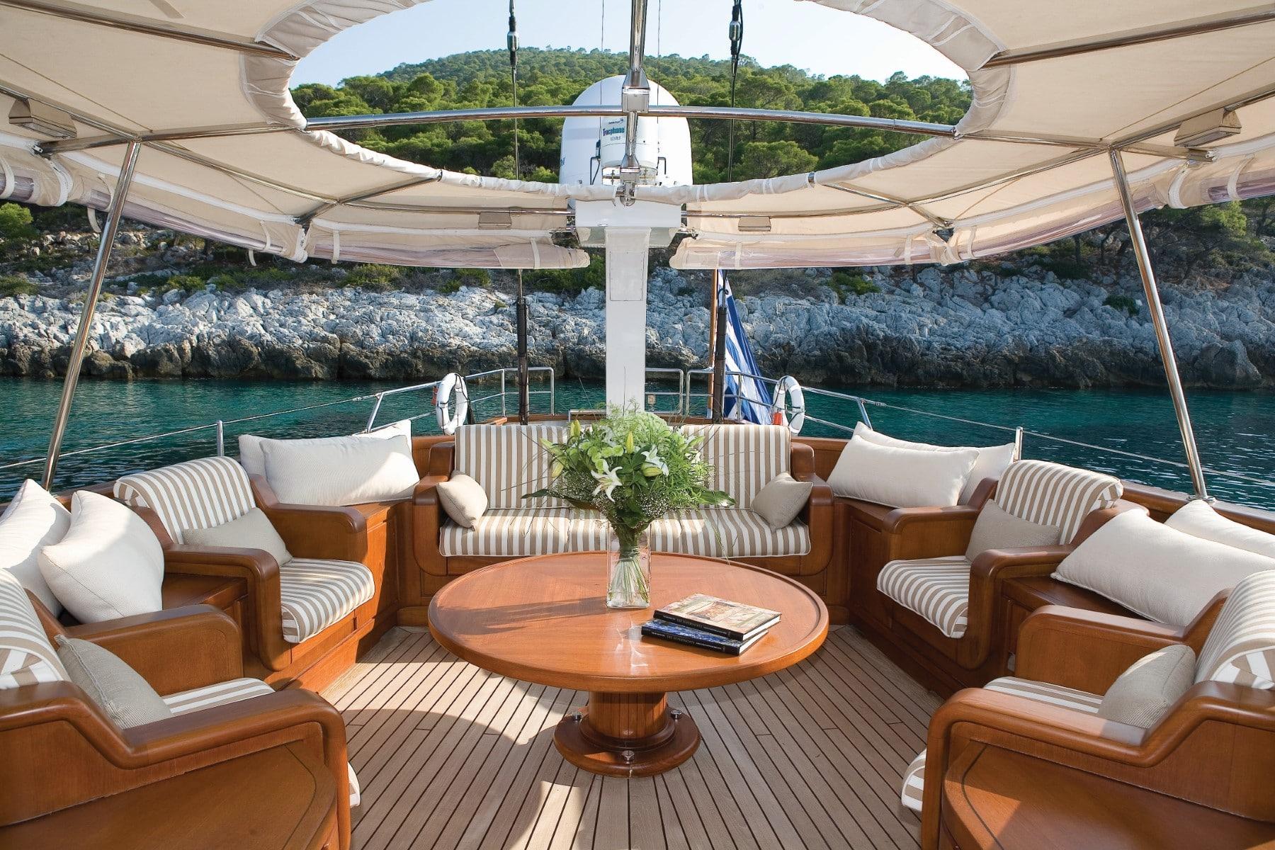 exterior salon superyacht