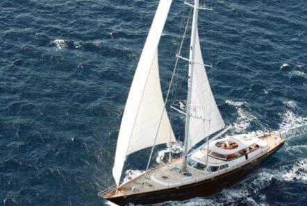 gitana-super-yacht-sailing (2)