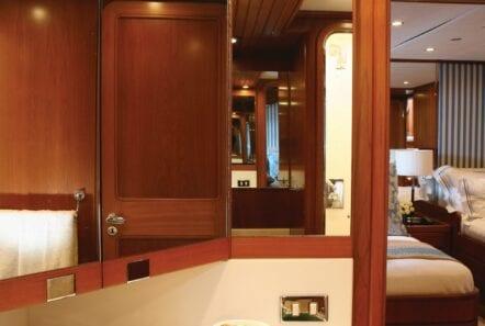 gitana-super-yacht-wc