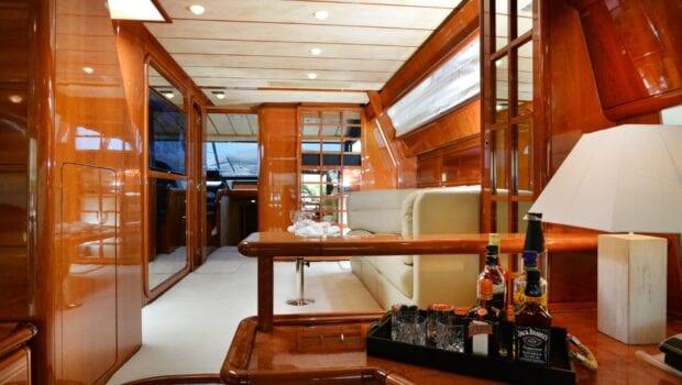 kentavros-motor-yacht-dining-interior (3)-min