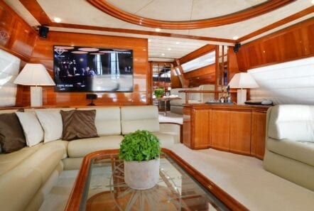 kentavros-motor-yacht-salon (3)-min