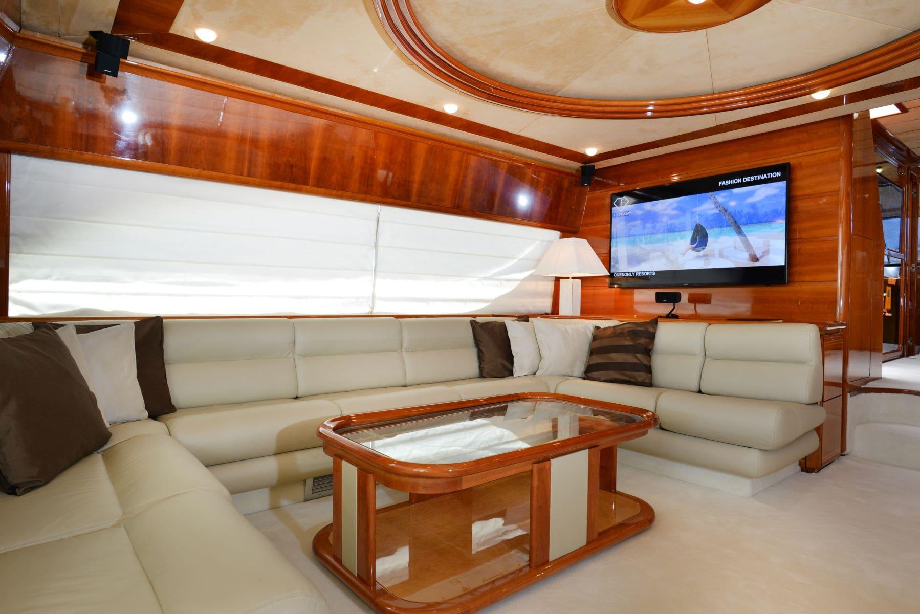 kentavros-motor-yacht-salon (5)-min