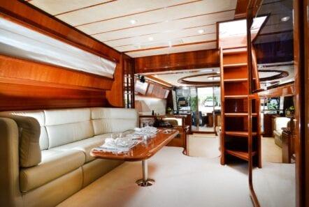 kentavros-motor-yacht-stairs (1)-min