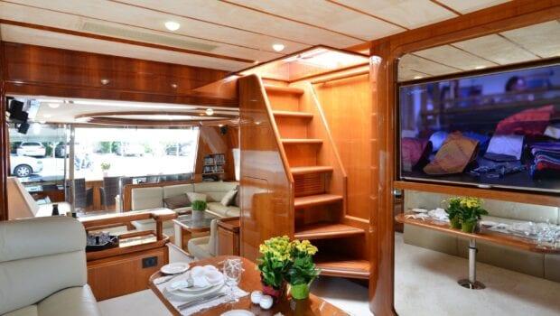 kentavros-motor-yacht-stairs (2)-min