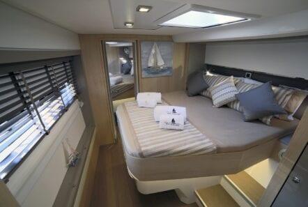 new-horizons-3-catamaran-vip-cabin-min