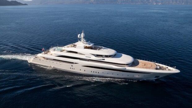 superyacht O'ptasia cruising