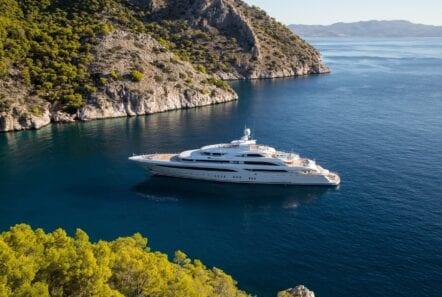 optasia-superyacht-island-dock (2)-min