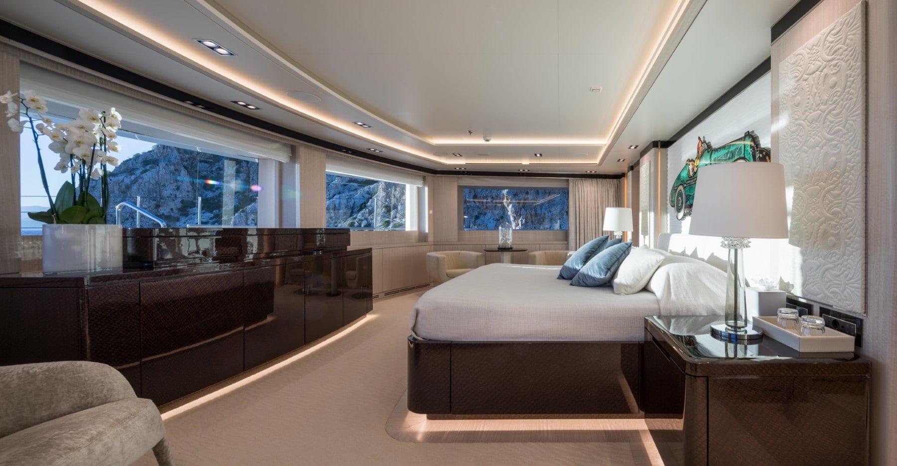 optasia-superyacht-master-suite-min