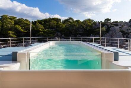 optasia-superyacht-pool (1)-min