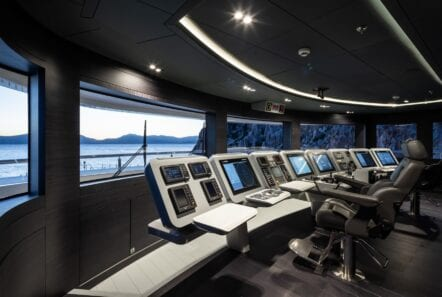 optasia-superyacht-wheelhouse-min