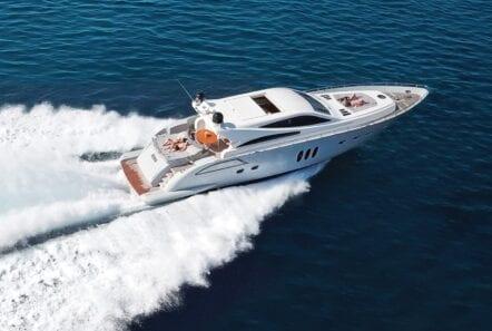 rena yacht cruising
