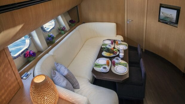 rena-motor-yacht- dining-min