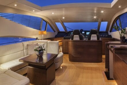 rena-motor-yacht- eve-min
