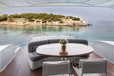 rena-motor-yacht-exteriors (1)-min