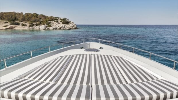 rena-motor-yacht-fore-min