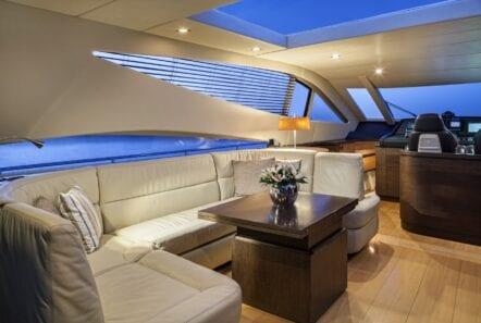 rena-motor-yacht- salon-min