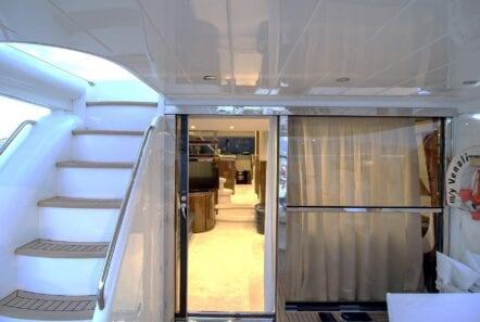Venali-motor-yacht-aft (2)-min
