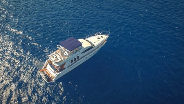aerial of yacht Venali