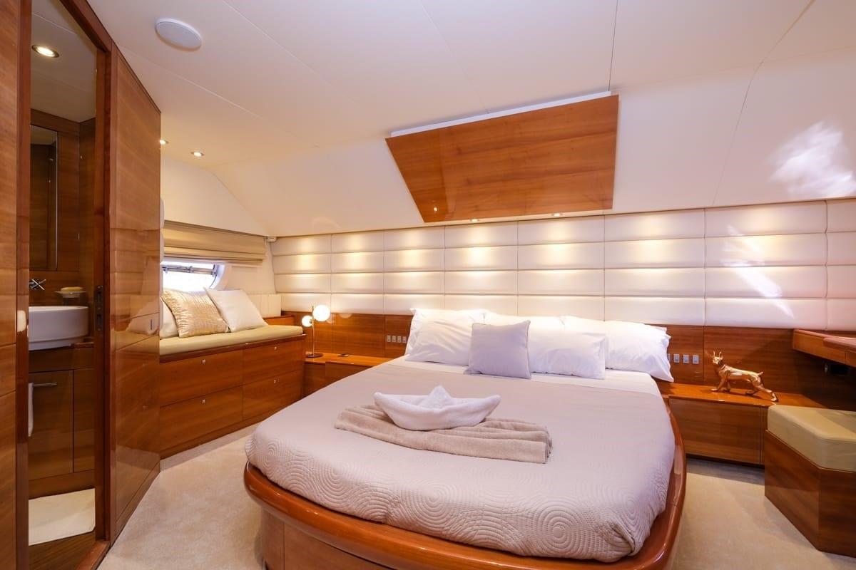 noe-motor-yacht-master-min