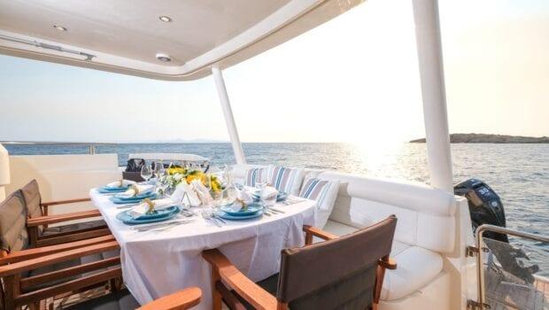 noe-motor-yacht-salon (1)-min