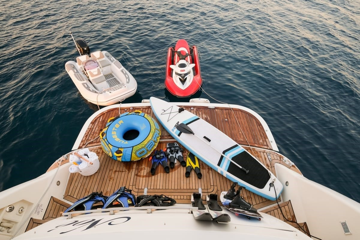 noe-motor-yacht-sea-platform-min