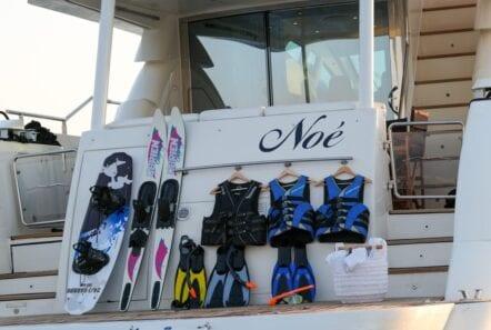 noe-motor-yacht-seatoys-min
