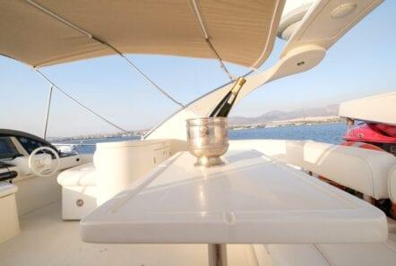 noe-motor-yacht-sundeck (2)-min
