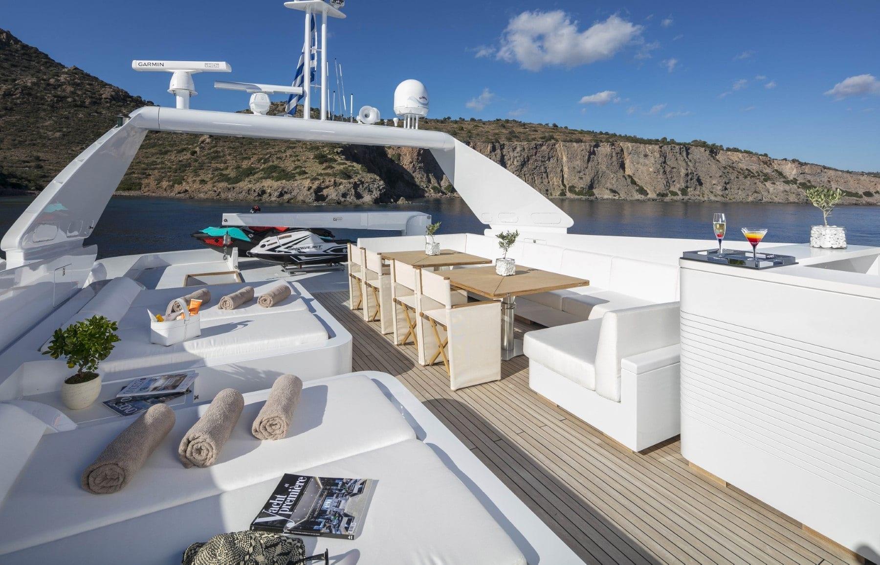 sole-di-mare-upper-deck-lounge (Custom)-min