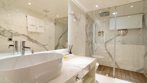 moka megayacht guest bath