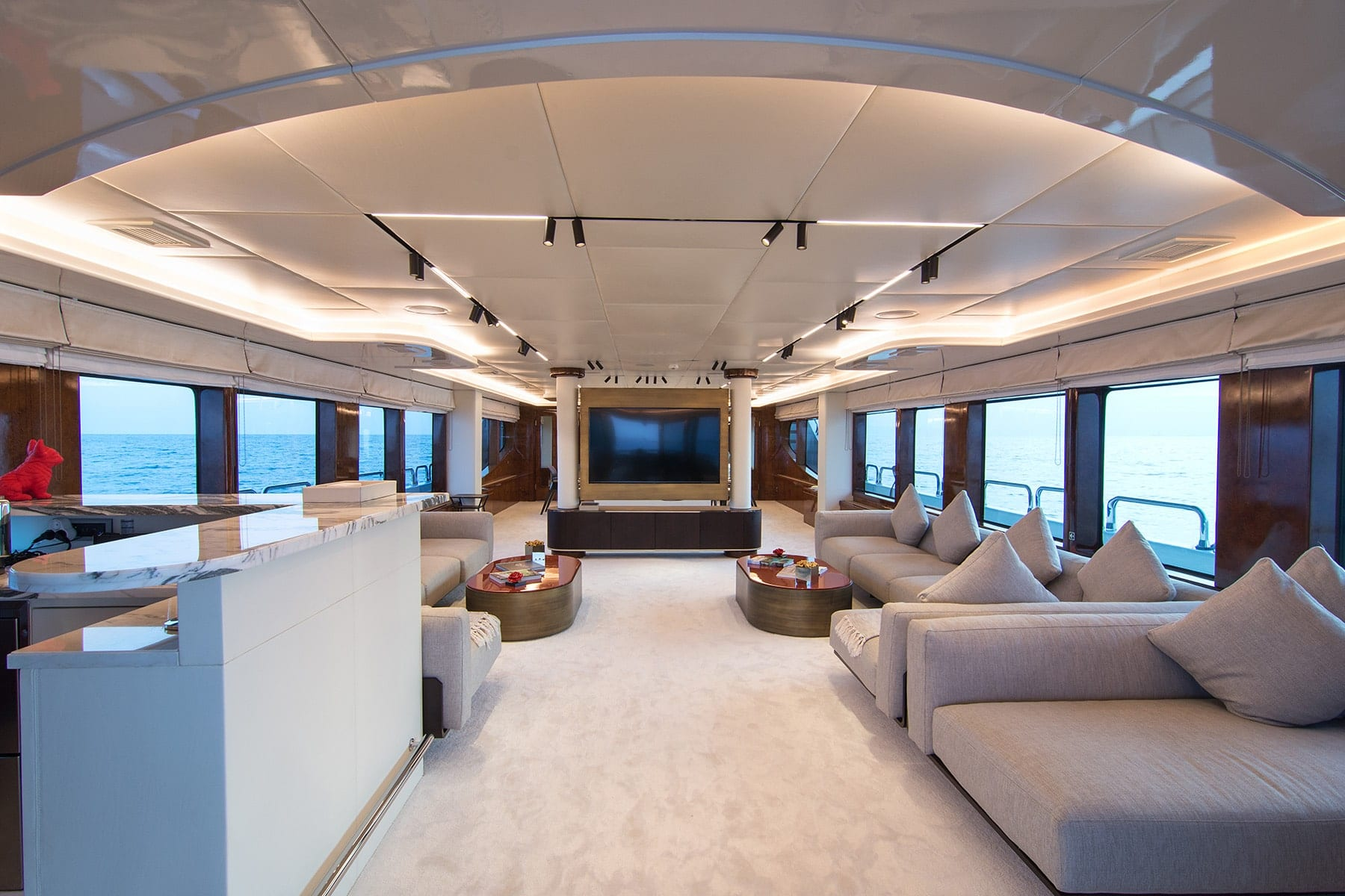 moka megayacht salon main deck