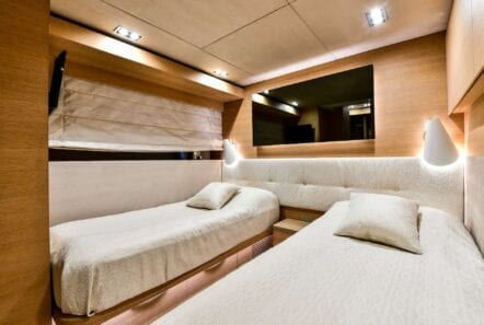 Twin suite on America