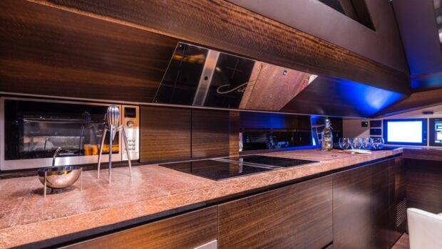 Gigreca Sailing Yacht Interior (2) - Valef Yachts Chartering