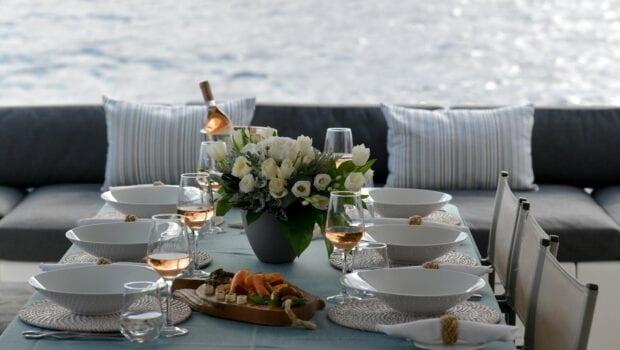boom lagoon catamaran dining table - Valef Yachts Chartering
