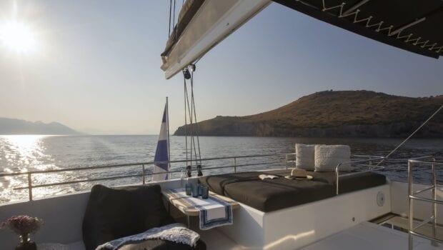 boom lagoon catamaran exterior relax (10) min - Valef Yachts Chartering