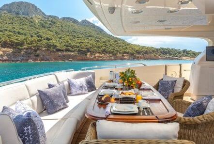 divine motor yacht aft - Valef Yachts Chartering