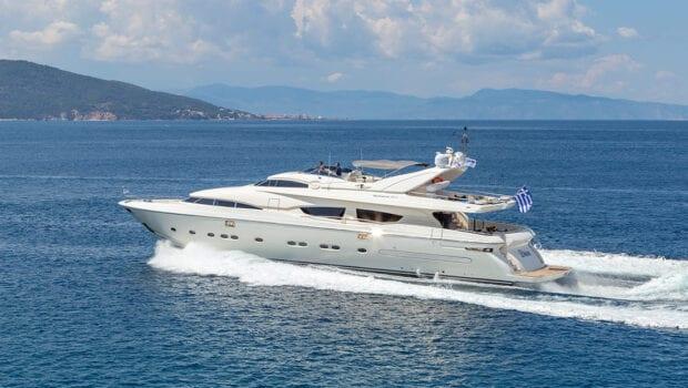 divine motor yacht cruising2 - Valef Yachts Chartering