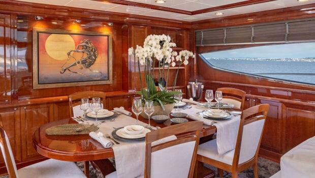 divine motor yacht dining indoor - Valef Yachts Chartering