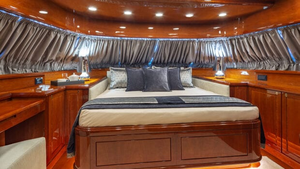 divine motor yacht double - Valef Yachts Chartering
