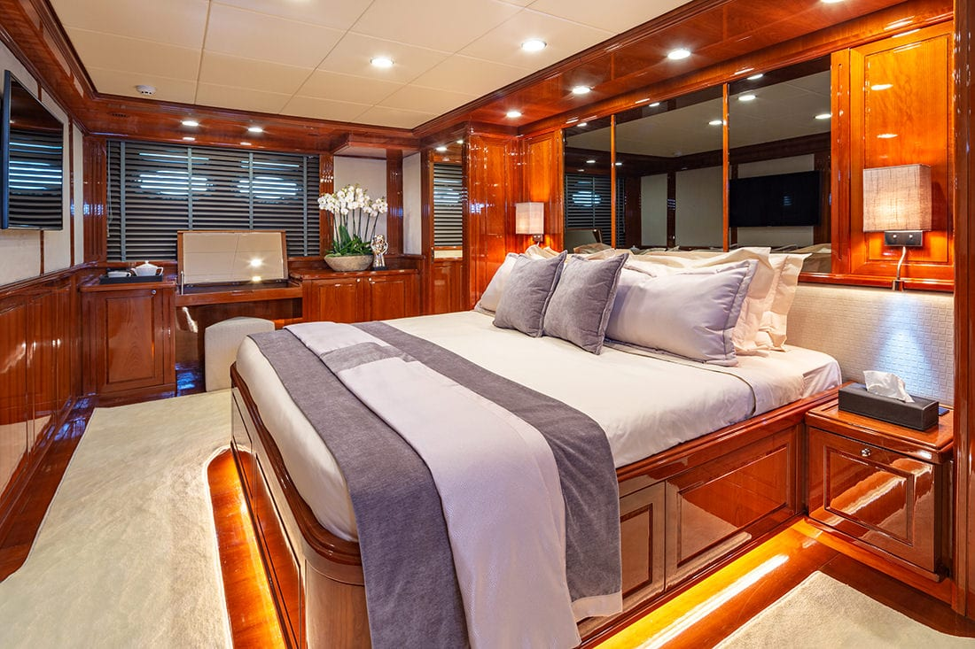 divine motor yacht master2 - Valef Yachts Chartering