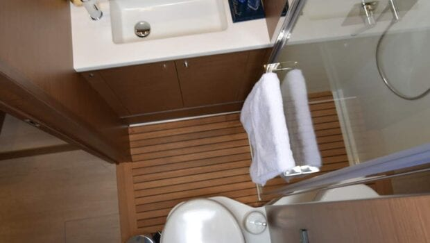 flo catamaran exterior bath (3) - Valef Yachts Chartering
