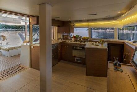 flo catamaran exterior salon (1) - Valef Yachts Chartering