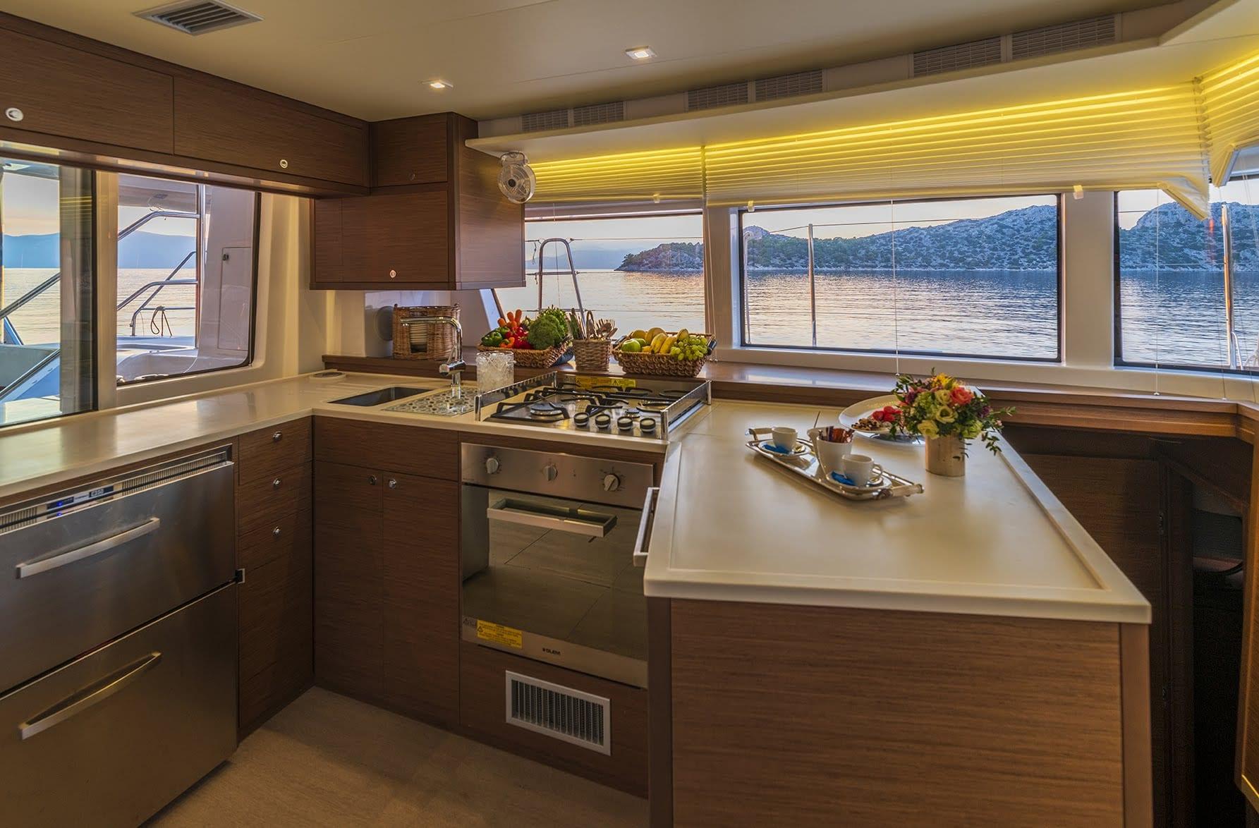 flo catamaran exterior salon (2) - Valef Yachts Chartering