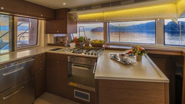 flo catamaran exterior salon (3) - Valef Yachts Chartering
