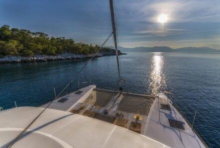 flo catamaran fore net (1) - Valef Yachts Chartering