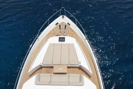 gia sena motor yacht bnow (2) - Valef Yachts Chartering