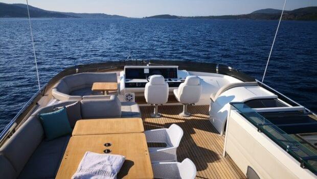 gia sena motor yacht flybridge - Valef Yachts Chartering