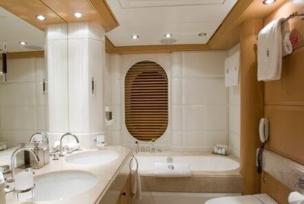 mercury megayacht bath (1) - Valef Yachts Chartering