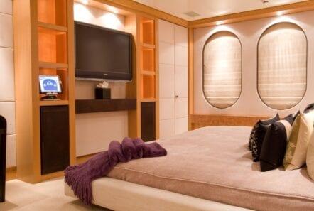 mercury megayacht double suite - Valef Yachts Chartering