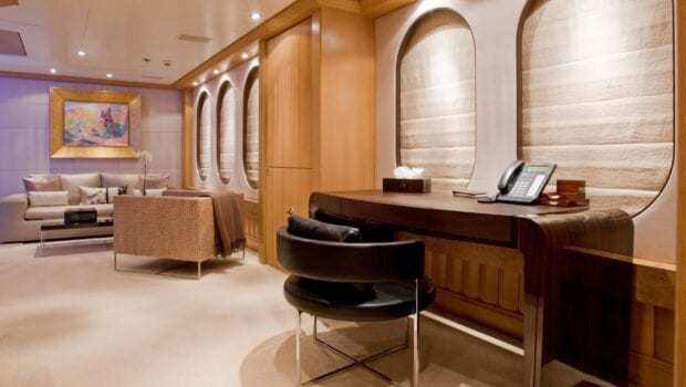 mercury megayacht grand owner suite (2) - Valef Yachts Chartering